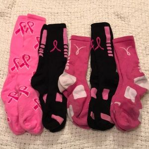 Nike Accessories - Bundle breast cancer socks Nike Elites